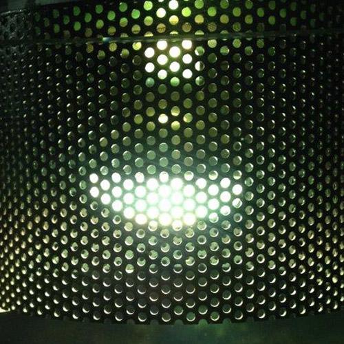 Chapa perforada iluminacion